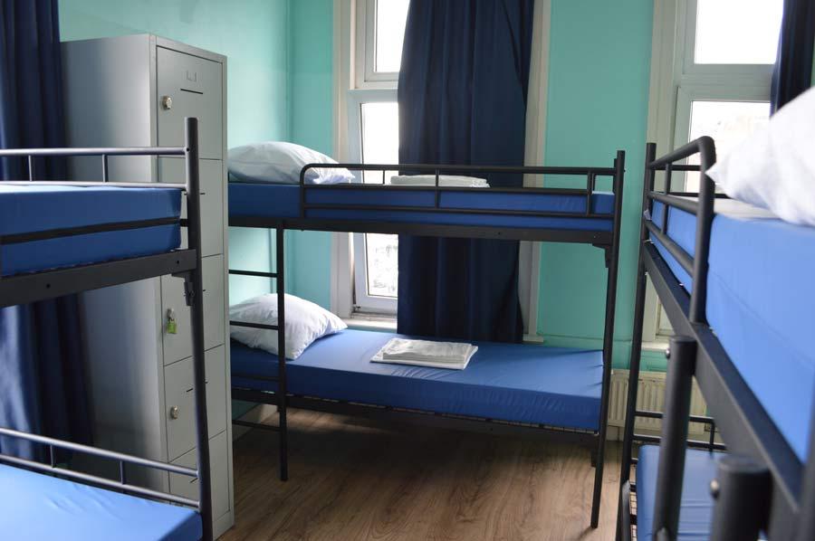 Chambre à 6 personnes - chambre complète
