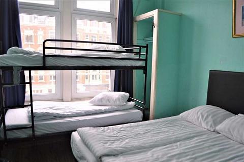 Lit dans un dortoir à 4 lits